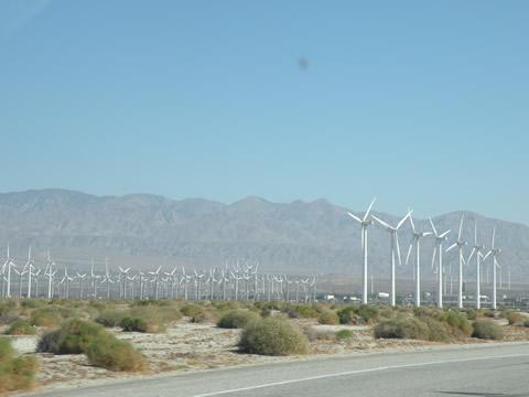 062209 パームスプリングス 風力発電.jpg